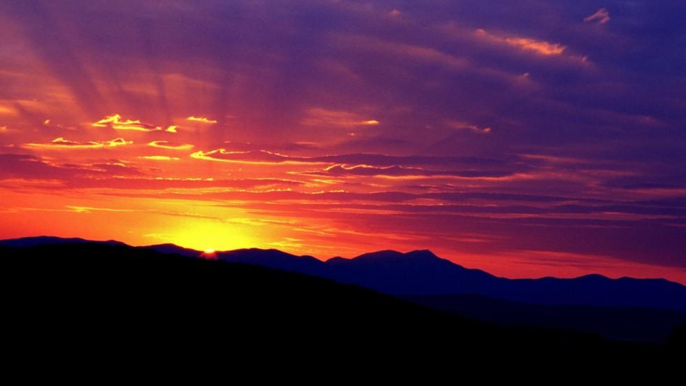 sunrise-world_00416456